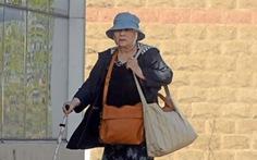 Bà lão gốc Việt lãnh án vì cầm đầu băng buôn người ở Anh