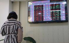 VN Index mất hơn 32 điểm, 'bốc hơi' gần 4,3 tỉ USD