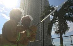 Bộ công an kiểm tra phòng cháy chữa cháy chung cư ở Sài Gòn
