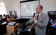 Chủ nhân Nobel Vật lý 'mách nước' cho nhà nghiên cứu trẻ Việt
