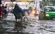 Sài Gòn mưa lớn đầu mùa, khắp nơi lại điệp khúc ngập