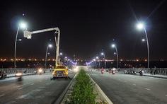 Dân gặp nạn do đèn đường 'mù', công ty chiếu sáng nói gì?