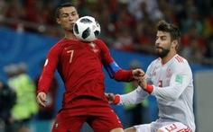 """Pique: """"Ronaldo rất thích vờ té ngã"""""""