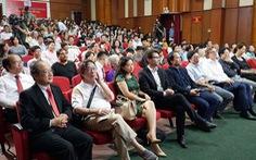 Phim tài liệu Việt Nam và những so sánh chạnh lòng