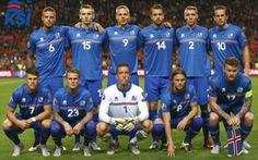 Ở đội Iceland, huấn luyện viên là nha sĩ, thủ môn là đạo diễn, hậu vệ đóng gói muối