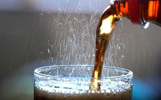 Tránh xa đồ uống có ga khi bị men gan cao