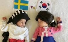 Mẹ hoá trang 2 con sinh đôi thành các đội đối kháng World Cup