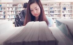 Khi cô đơn, bạn đừng quên đọc sách, hạnh phúc thực ra ở rất gần