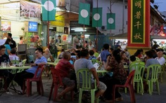 Malaysia cấm thuê đầu bếp nước ngoài
