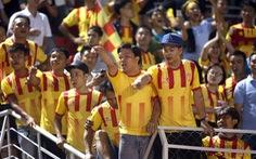 Cổ động viên Nam Định nổi nóng vì nhân viên sân Thống Nhất