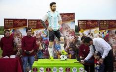 Người Nga tạc tượng Messi bằng sô cô la để tặng sinh nhật anh