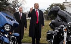 Trump chê Harley-Davidson chưa gì đã vẫy cờ trắng