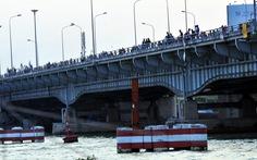 Điều tra vụ sà lan tự hành đâm gãy trụ chống va cầu Đồng Nai