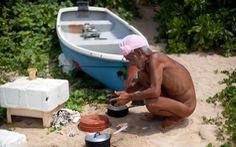 Ông lão sống trần truồng trên đảo hoang một mình gần 30 năm