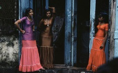 Phố đèn đỏ tại Ấn Độ điêu đứng vì ngân hàng dễ dãi nhất thế giới đóng cửa