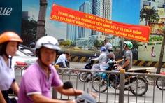 Đường phố Sài Gòn đâu đâu cũng băngrôn, quảng cáo