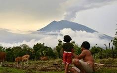 Bali đóng cửa sân bay quốc tế vì phun trào núi lửa