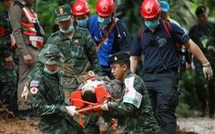 Thái Lan diễn tập đưa người ra từ hang động, sắp cứu được 12 người mất tích?