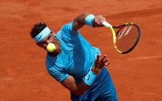Roland Garros 2018: Nadal dễ dàng đi tiếp, Wozniacki bị loại