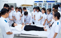 Ký hợp đồng đảm bảo việc làm với sinh viên ngay khi nhập học