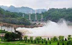 Thủy điện Hòa Bình xả cửa đáy số 3