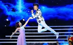 """Nam Cường """"bay giữa ngân hà"""" trong liveshow 10 năm ca hát"""