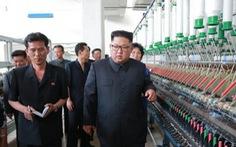 Ông Kim Jong Un rầy la công nhân nhà máy dệt