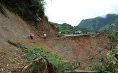 700 hộ dân Mường Tè vẫn bị cô lập sau 1 tuần mưa lũ