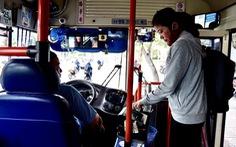 Khi xe buýt không có tiếp viên