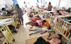 Bệnh nhân phải trèo giường người khác vào giường mình