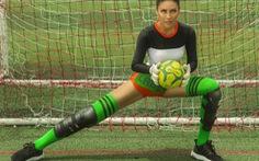 Nguyễn Thị Loan vui World Cup với bộ ảnh gợi cảm cùng trái bóng tròn