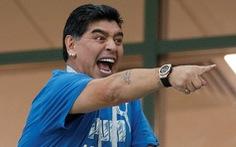 Maradona tiếp tục gây rối tại World Cup khi lăng mạ trọng tài
