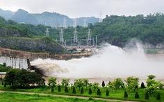 8h ngày 7-7, hai thủy điện Hòa Bình , Sơn La mở 1 cửa xả đáy
