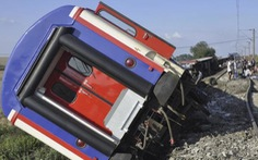 Tàu hỏa trật bánh ở Thổ Nhĩ Kỳ do mưa lớn, 24 người chết
