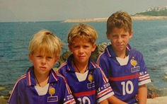 Trước trận bán kết, Hazard tiết lộ bức ảnh mặc áo tuyển Pháp thuở nhỏ