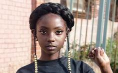 11 tuổi vượt qua kỳ thị màu da sáng lập nhãn hiệu thời trang