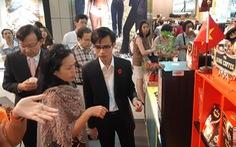Hàng Việt vào siêu thị Thái