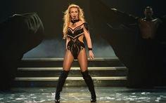 Chi Pu, Min, Lady Gaga, Britney và thời của quảng cáo tấn công âm nhạc