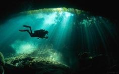 Lặn dưới dòng sông ngầm bí ẩn ở Mexico