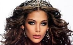 Hoa hậu Dayana làm giám khảo chung kết Hoa hậu Hoàn vũ VN 2017