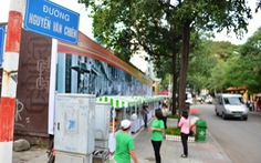 Bán hàng trên phố ẩm thực thu nhập 200.000 - 250.000 đồng/ngày