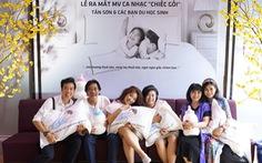Ca sĩ Cẩm Vân mừng Dương Tấn Sơn ra mắt MV Chiếc gối