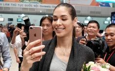 Hoa hậu hoàn vũ thế giới 2008 vừa đến Khánh Hòa