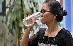 Uống nhiều nước có thể thải độc?