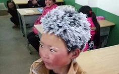 'Cậu bé đông đá' làm rơi lệ cư dân mạng Trung Quốc
