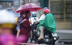 Mưa trái mùa nhiều nơi ở Sài Gòn và Nam bộ