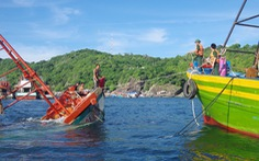 Đồn biên phòng Hòn Chuối cứu sống 6 thuyền viên gặp nạn trên biển