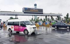 Chưa đủ cơ sở tạm dừng thu phí vào sân bay