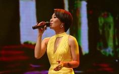 Uyên Linh hát Lời tỏ tình của mùa xuân trong 'Giai điệu tự hào'