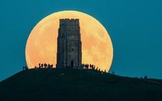 Ngắm trăng xanh, siêu trăng, trăng máu cùng một ngày